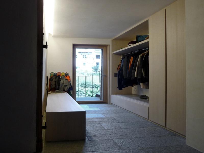 porta e g. Black Bedroom Furniture Sets. Home Design Ideas